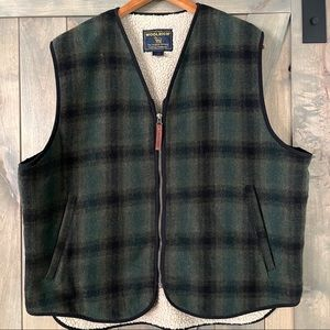 Woolrich Men's Plaid  Wool Sherpa Lined Vest